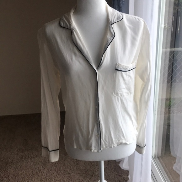 Abercrombie & Fitch Tops - Abercrombie sleep shirt style blouse
